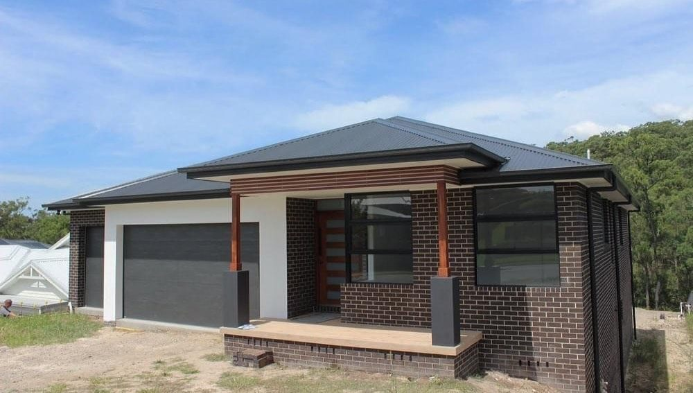 house in the sunshine – newly built